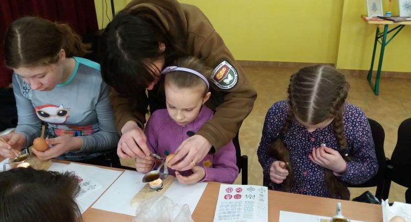 Kresy, Zajęcia malowania jajek Imprez Dziewieniszkach [GALERIA] - zdjęcie, fotografia