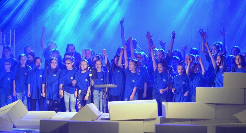 Koncerty, Radomianie bawili piosenkach Floyd [GALERIA] - zdjęcie, fotografia