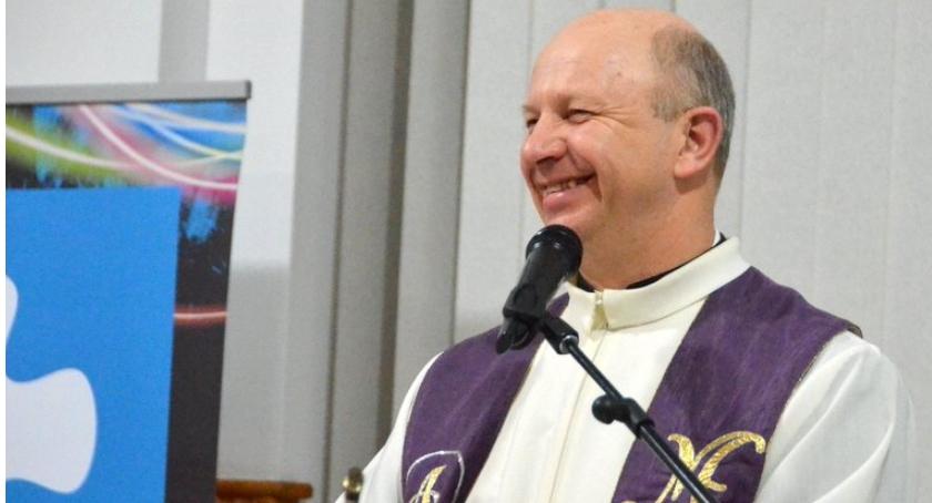 Wywiad, Halloween zabawa powiedział diecezjalny egzorcysta Sławomir Płusa - zdjęcie, fotografia
