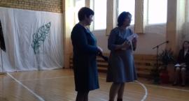 Polskie Gimnazjum im. Adama Mickiewicza w Dziewieniszkach na Litwie ma sztandar
