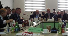 Radni Powiatu Radomskiego pomagają gminie dotkniętej nawałnicą