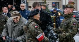 """Pierwsze karabinki """"Grot"""" w rękach żołnierzy [FOTO]"""