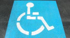 Sąsiadka walczy z niepełnosprawnym chłopcem o miejsce parkingowe