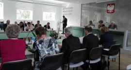 Sesja Rady Powiatu. Nowe posterunki Policji i pieniądze na szpital w Pionkach [FOTO]