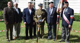 Rusza budowa pomnika Armii Krajowej w Radomiu. Symboliczne wbicie pierwszej łopaty [FOTO]