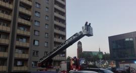 Mężczyzna zasłabł w mieszkaniu. Konieczna była interwencja straży pożarnej [FOTO]