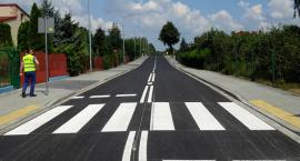 Można już jeździć i chodzić po zbudowanej od podstaw ulicy Czereśniowej