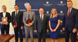 Umowy na kolejne miliony dla powiatu przysuskiego podpisane