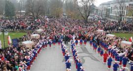 Radomianie zaśpiewali Hymn Narodowy dla Niepodległej [FOTO]