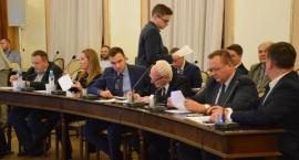 Nadzwyczajna sesja Rady Miejskiej. Prezydium Rady Miejskiej dla PiS [FOTO]
