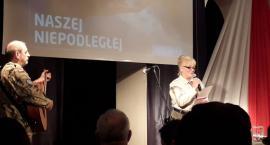 Wieczór poezji patriotycznej z okazji 100. rocznicy odzyskania Niepodległości przez Polskę [FOTO]