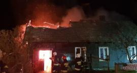 Pożar w gminie Skaryszew. Spłonął drewniany dom