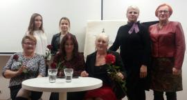 """Grupa Poetycka """"Eliksir"""" wprowadziła słuchaczy w świąteczny nastrój [FOTO]"""
