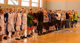 Mundurowa rywalizacja na koszykarskim parkiecie