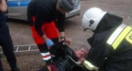 Dzielnicowi z Warki uratowali mężczyznę