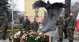 """""""Cześć i Chwała Bohaterom"""". Radomianie uczcili pamięć """"Żołnierzy Wyklętych"""" [FOTO]"""