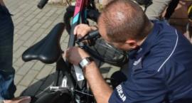 Radomscy policjanci zachęcają do znakowania rowerów