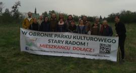 Społeczny Komitet Ratowania Parku Kulturowego Stary Radom po raz kolejny posadził drzewa [FOTO]