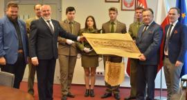 Budowa nowej siedziby dla szkoły drzewnej w Garbatce-Letnisku coraz bliżej