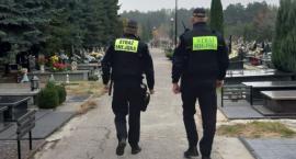 Patrole Straży Miejskiej na radomskich nekropoliach