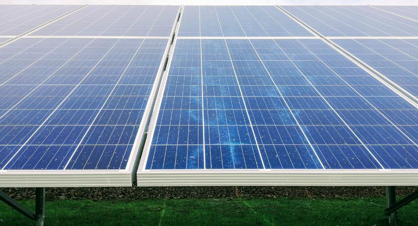Inwestycje , ZIELONA ENERGIA MOŻNA ZAOSZCZĘDZIĆ - zdjęcie, fotografia