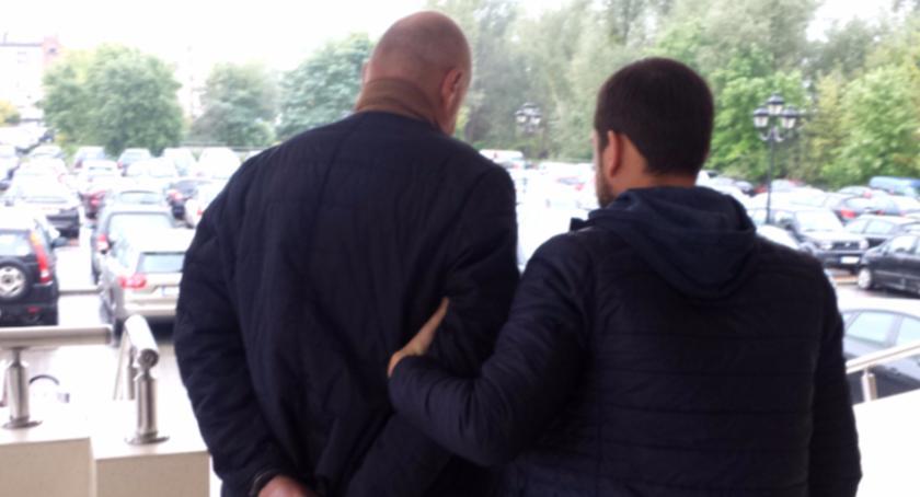 Kronika policyjna, Areszt letniego mężczyzny - zdjęcie, fotografia