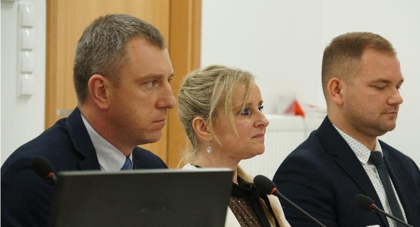 Radni Powiatu, Oświadczenie Klubu Radnych temat Czerwone komunistyczne kanalie - zdjęcie, fotografia