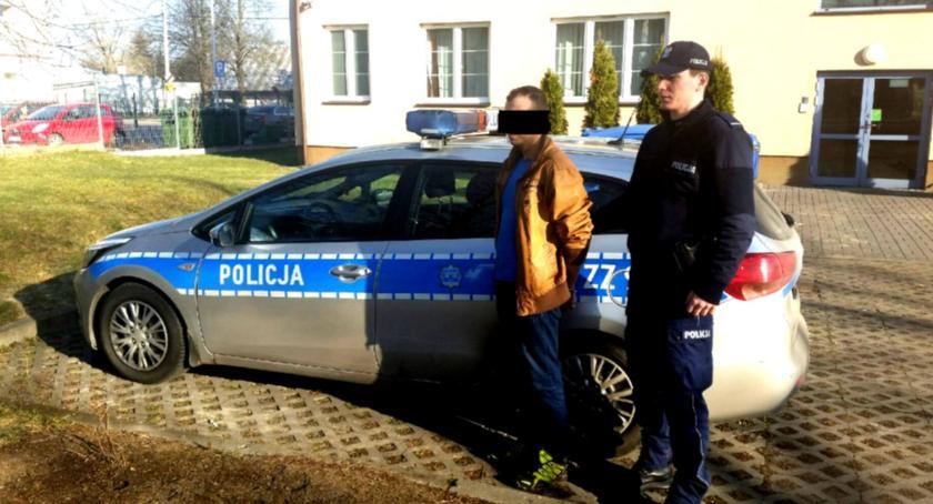 Kronika policyjna, spowodowaniu kolizji zgłosił kradzież pojazdu - zdjęcie, fotografia