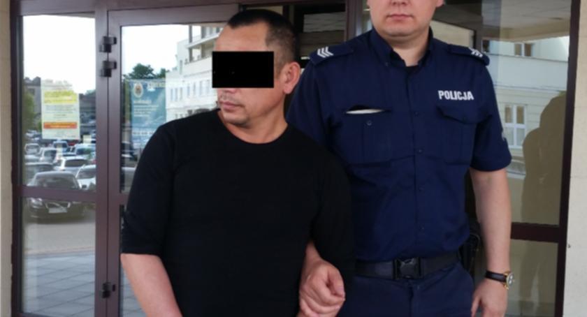 Kronika policyjna, Areszt letniego obywatela Wietnamu - zdjęcie, fotografia