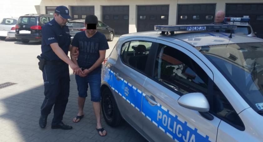 Kronika policyjna, Obywatel Gruzji odpowie kradzieże włamania pojazdów - zdjęcie, fotografia