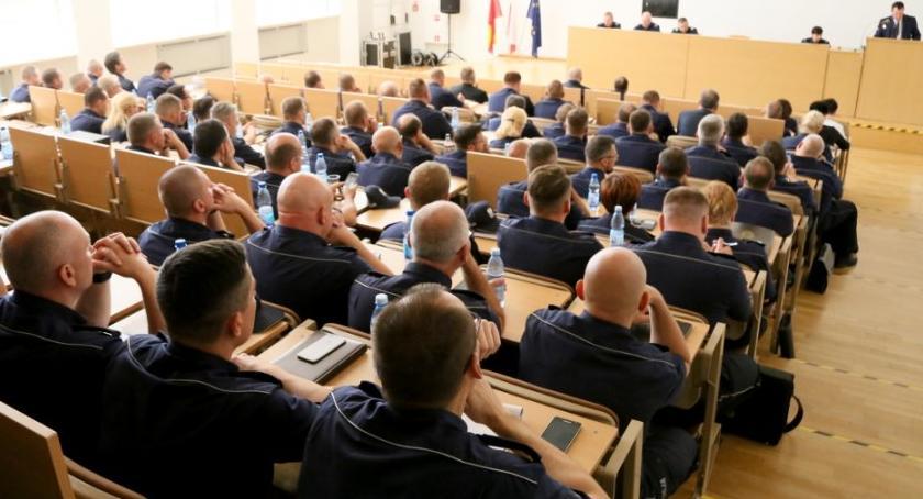 Kronika policyjna, Podsumowanie półrocza garnizonie stołecznym - zdjęcie, fotografia