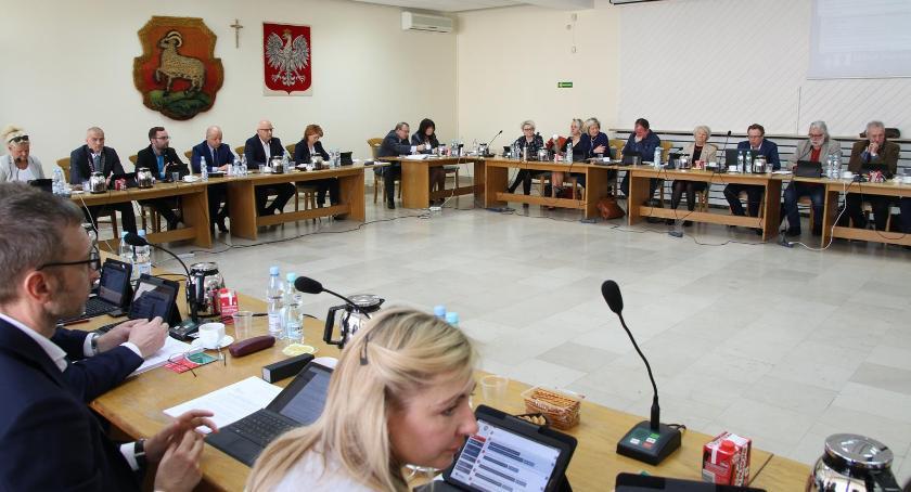 W Urzędzie, Nadzwyczajna Sesja Piasecznie - zdjęcie, fotografia