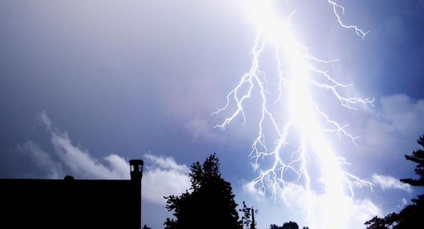 Sprawy lokalne, Burze opadami deszczu - zdjęcie, fotografia