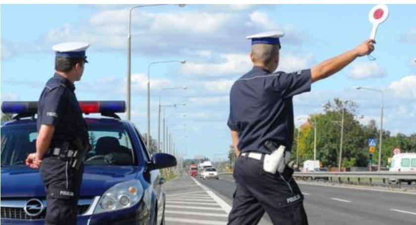 Kronika policyjna, Policjanci apelują bezpieczeństwo drodze - zdjęcie, fotografia