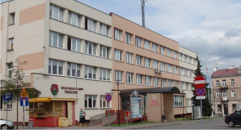 W Urzędzie, nadzwyczajna sesja Miejskiej Piasecznie - zdjęcie, fotografia