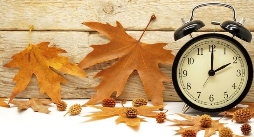 Urzędy i Instytucje , Zmiana czasu letniego zimowy 27/28 października - zdjęcie, fotografia