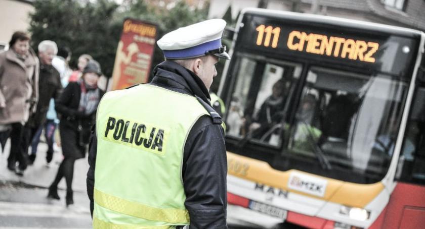 Kronika policyjna, Zadbajmy wspólnie bezpieczeństwo okresie Wszystkich Świętych - zdjęcie, fotografia