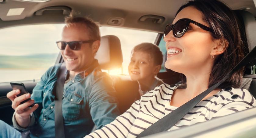 Motoryzacja, Porównanie ubezpieczeń online dlaczego kierowcy niego korzystają - zdjęcie, fotografia