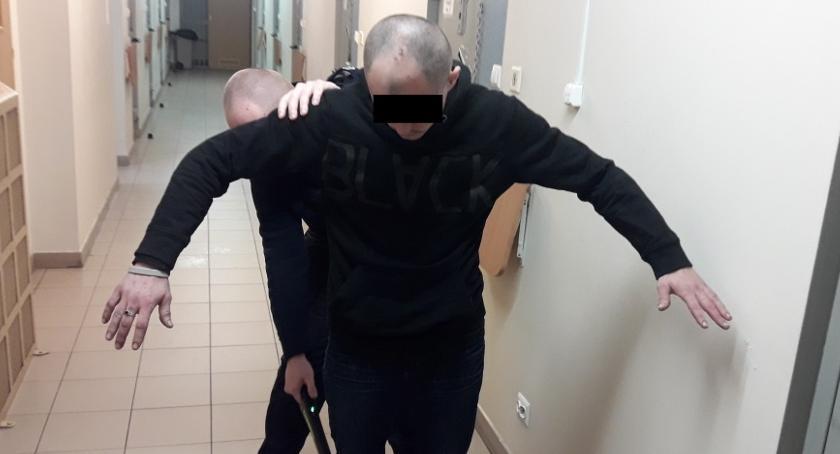 Kronika policyjna, Zatrzymany kradzież podczas świątecznej kolacji - zdjęcie, fotografia