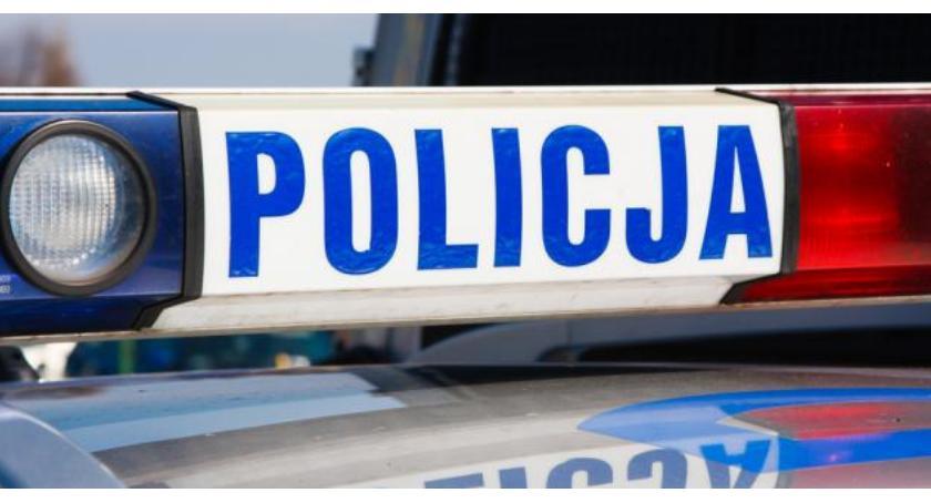 Kronika policyjna, Leżała śniegu odludziu - zdjęcie, fotografia
