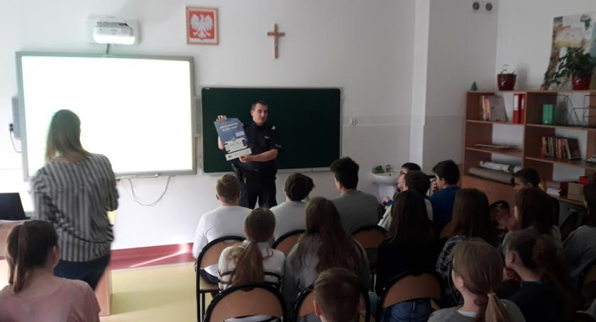 Kronika policyjna, Działania profilaktyczne zorganizowane przez dzielnicowego Tarczyna - zdjęcie, fotografia