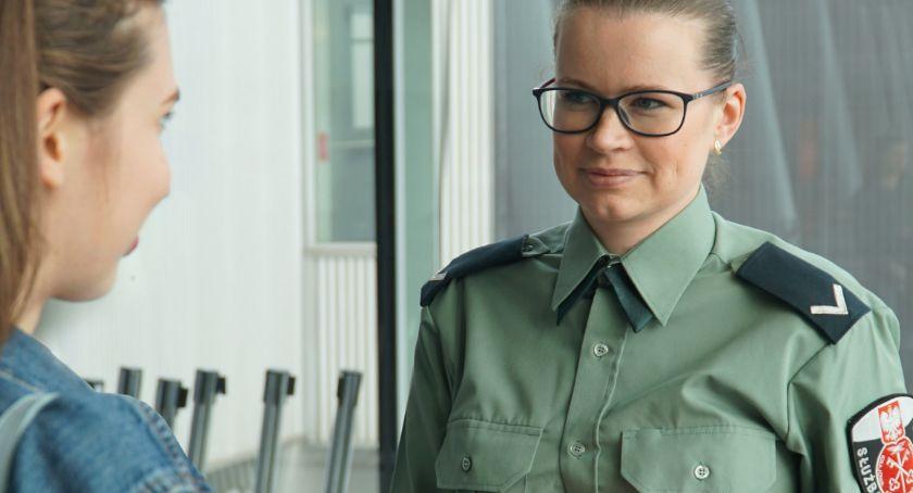 Urzędy i Instytucje , Informator turystyczny Służb Celno Skarbowych - zdjęcie, fotografia