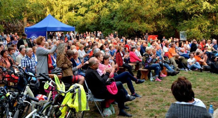 Kultura, Festiwal Piosenki Dołującej - zdjęcie, fotografia