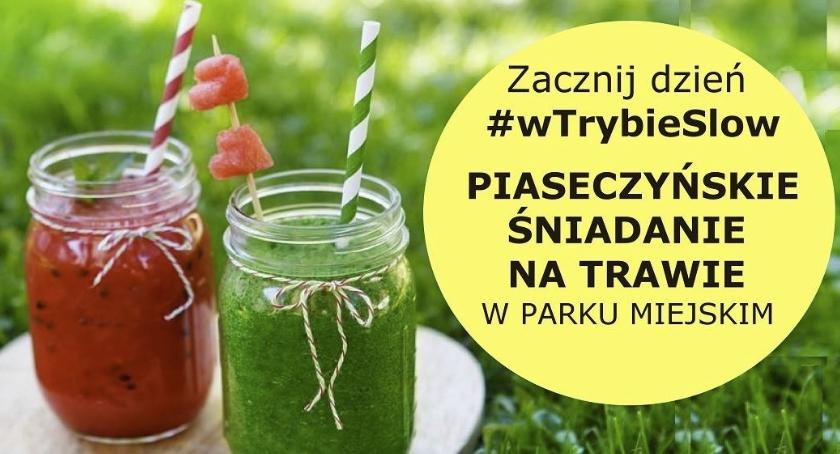 Rekreacja, Piaseczyńskie śniadanie trawie - zdjęcie, fotografia