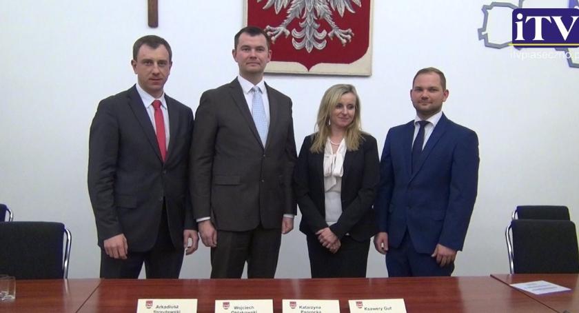 Samorząd, Pytania Starosty Piaseczyńskiego - zdjęcie, fotografia