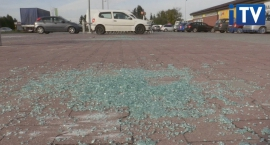 Ponad 20 aut rozbitych pod Biedronką.