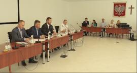 Sesja Rady Powiatu o przetargu na dzierżawę budynków Chyliczkowska 20