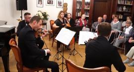 Koncert muzyki poważnej w Domu Seniora Muzyka
