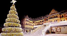 Jasełka i światełka. Polacy przepłacają za świąteczny wyjazd byle było… jak w domu