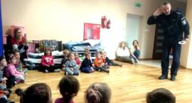 Przedszkolaki z Delfinka na lekcji o bezpieczeństwie